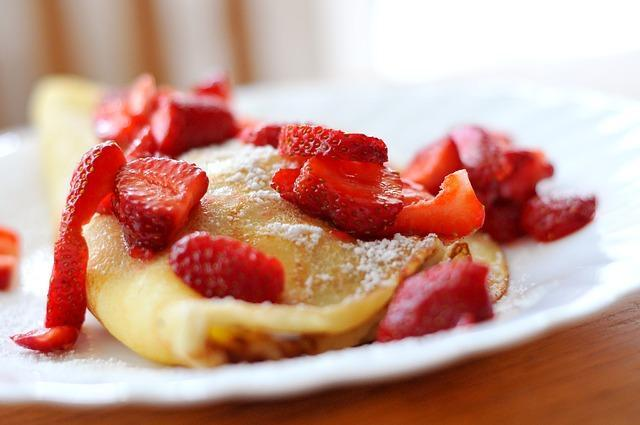Strawberries with pancakes