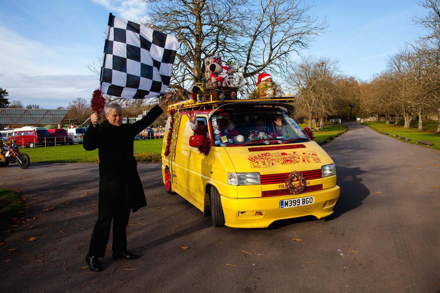 Lord Montagu waves off Ken Griffins VW T4 Best Dressed Van