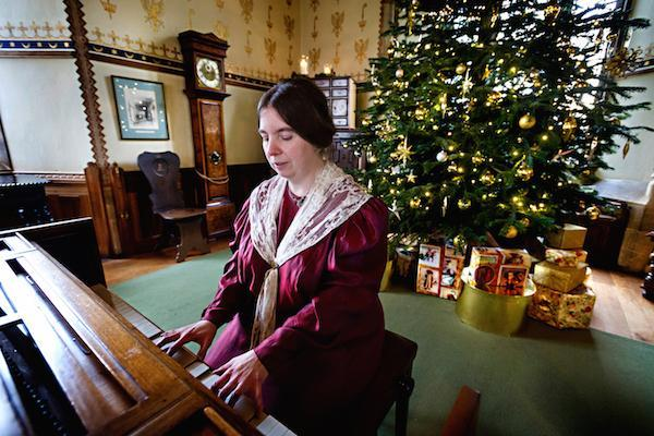 Victorian Christmas 1 at Palace House Beaulieu
