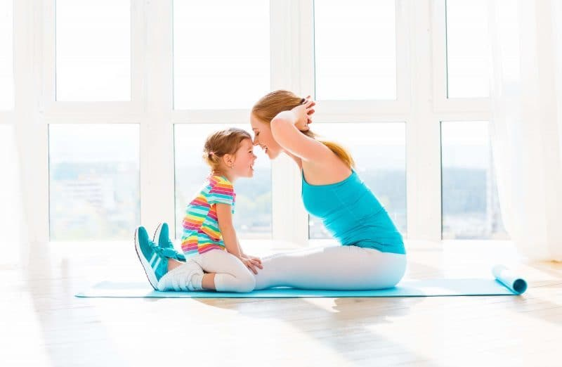 Mum and child yoga RESIZED 800x522