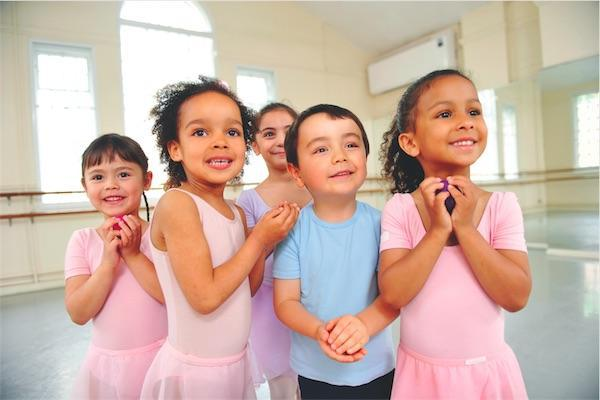 Dance and drama classes for 2-4 year olds in Lymington