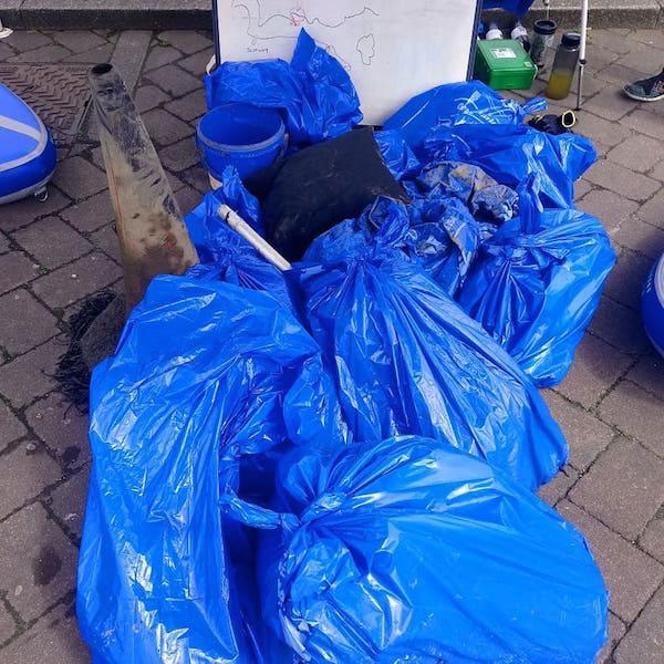 New Forest Paddle Sport Company rubbish found on SUP vs single use plastic event