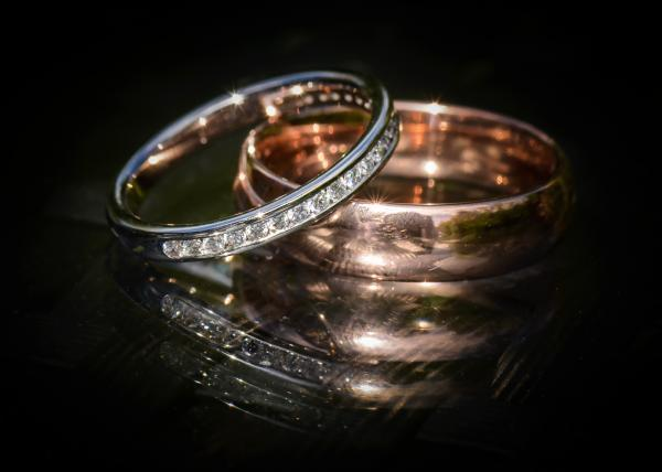 Wedding rings - capture the details of your Hampshire wedding