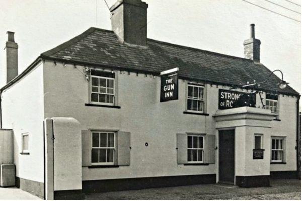 The Gun Inn Keyhaven