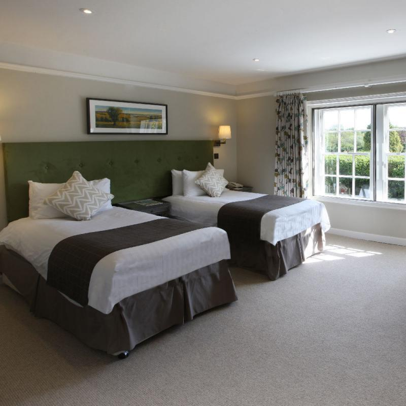 bell-inn-bramshaw-new-forest-bedroom