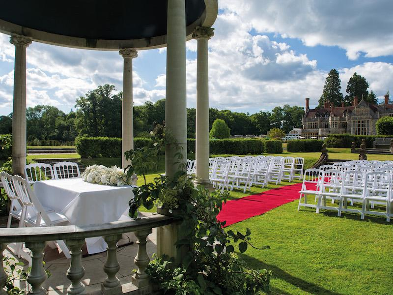 Outdoor wedding at  Rhinefield House Hotel New Forest