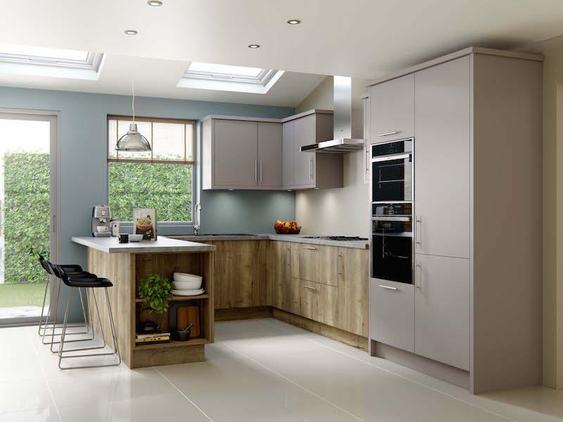 Crestwood of Lymington kitchen - Linden in Dust Grey / Natural Halifax Oak