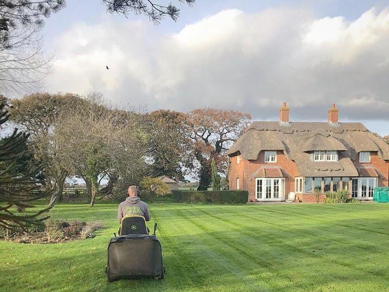 Sterling Gardens garden maintenance mowing the lawn