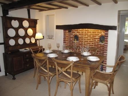 Japonica Cottage dining area
