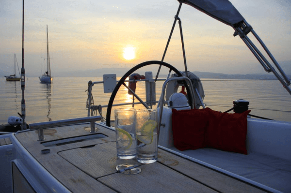 Sailing days with dinner