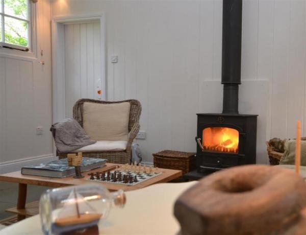 Oak Tree Cottage, wood burner